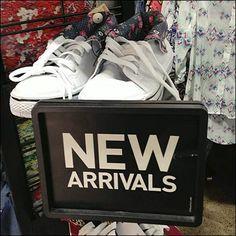 Drop-in New Arrivals Sign