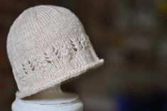 knit a newborn hat with a touch of lace