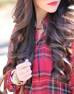 Think Your Hair Can't Be Tamed? Think Again! Everyone wants to have great looking hair, as a good set of locks can completely transform a person's appearance. Stylish Girl Pic, Cute Girl Photo, Chicas Dpz, Stylish Dpz, Profile Picture For Girls, Foto Instagram, Foto Pose, Girly Pictures, Girls Dpz
