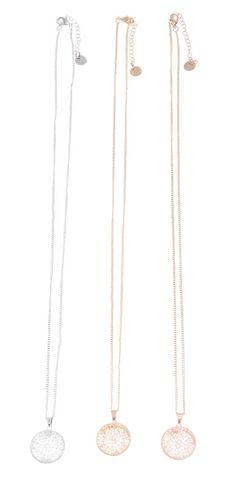 Collares largos con colgante con metal, filigranas y cristales en forma redonda en varios colores: oro, bronce y plata en www.sonatachic.com #etnico #pulseras #cool #ethinc #sonata #chic #bisuteria #snt #moda #fashion #tendencia #collares #gargantillas #anillos #outfits #complementos #cubrebotas #joyas #broches #tobilleras  #bolsas #expositores #llaveros #accesorios #pelo #gemelos #metal #colgante #cristal