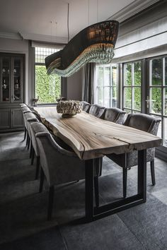 - By Linda Lagrand interior design, farmhouse dining table - Wooden Dining Table Designs, Dining Room Table Decor, Wooden Dining Tables, Dining Room Design, Living Room Decor, Long Dining Tables, Wood Slab Table, Home Deco, Dining Room Inspiration