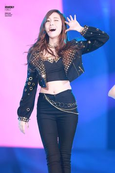 Welcome to fy-jessicajung, your source for all news, pictures, videos and everything else related. Jessica Snsd, Jessica & Krystal, Yoona, Kpop Fashion, Korean Fashion, Fashion Hair, Fashion 2017, Kpop Girl Groups, Kpop Girls
