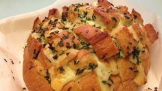 pain dégoulinant au fromage, recette avec du fromage à raclette, que faire avec des restes de fromage, pain au fromage qui dégouline