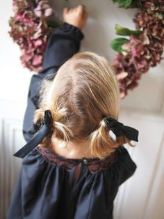 ...& petite robe noire! Aux couleurs de l'automne & de cette maison que nous aimons tant! Robe...