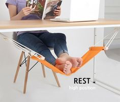 little-fuut-hammock-for-relaxing-at-your-workplace-3-554x474