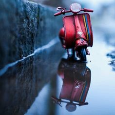 Playful Landscapes Feature the Adventures of Tiny Toy Cars: Traveling Car Adventures - photographer Kim Leuenberger Miniature Photography, Cute Photography, Creative Photography, Miniature Cars, Cute Cartoon Wallpapers, Cartoon Images, Photo Projects, Cute Illustration, Cute Art