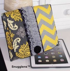 LOOOOOOOOOVE THIS I wish I could have this for my nook!! iPad Case iPad Cover iPad Bag iPad sleeve- iPad Padded case-iPad -Gray-yellow-chevron-damask-dots -Ready to Ship-Snugglens
