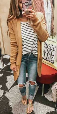 Perfect Affordable Fall Outfits from Nordstrom. Tan mustard chunky knit card… Perfect Affordable Fall Outfits from Nordstrom. Tan mustard chunky knit cardigan sweater, striped t-shirt, distressed jeans, Tory Burch flip flop sandals. 30 Outfits, Mode Outfits, Fashion Outfits, Womens Fashion, Fashion Styles, Fashion Ideas, Fashion Trends, Stylish Outfits, Fashion Fashion