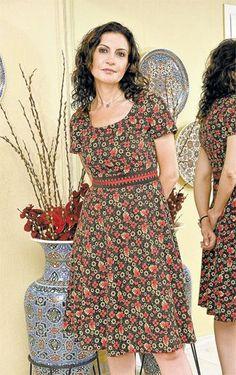 Kare yakalı bayan pazen elbise modeli
