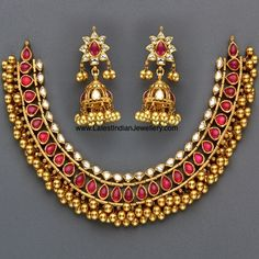 Jewellery Designs: Kundan Tussi Necklace with Rubies Indian Jewellery Online, Indian Jewellery Design, India Jewelry, Temple Jewellery, Jewelry Design, Jewellery Shops, Gold Jewelry, Jewellery Exhibition, Gold Necklaces