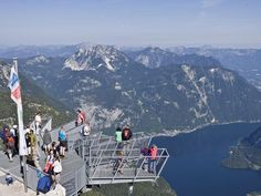 The viewing platform offers a spectacular view of the whole region Salzburg, Hallstatt, Sun Photo, The Weather Channel, World Photo, Train Rides, The Good Place, Attraction, Waterfall