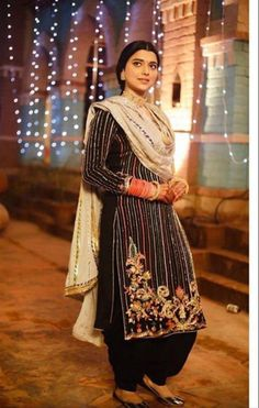 Brand new Salwar suit Fully stitched Size Fabric tabby silk Simple Indian Suits, Ladies Suits Indian, Suits For Women, Black Punjabi Suit, Punjabi Suits, Patiala Suit, Salwar Kameez, Stylish Dress Designs, Stylish Dresses