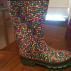 Rubber boots with puff paint