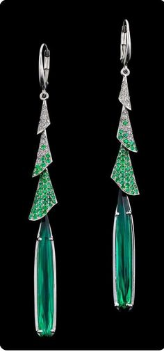 Night Lily Earrings are beguiling. This dramatic design showcases stunning pair of green tourmalines, totaling carats, accompanied by blossoms of white gold set with a gradient of emerald and diamond pavé, totaling and carats respectively. Gems Jewelry, Jewelry Art, Fine Jewelry, Jewelry Design, Body Jewelry, Bijoux Art Deco, Tourmaline Earrings, Aquamarine Jewelry, Modern Jewelry