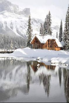 Emerald Lake Lodge in Canadian Rocky Mtns