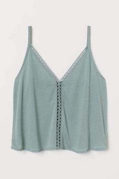 H&M V-neck Camisole Top - Green Source by tops Cute Casual Outfits, Cute Summer Outfits, Spring Outfits, Model Street Style, Cute Tank Tops, Cute Shirts, Cute Summer Shirts, Cute Summer Tops, Teen Fashion Outfits