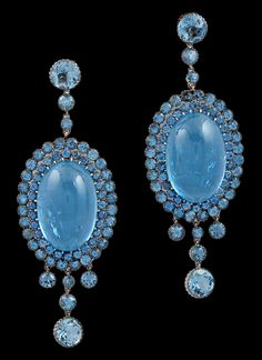 18kt White Gold Aquamarine Earrings