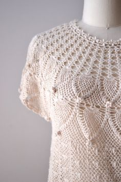 70s crochet blouse / 1970s knit top / Gualala sweater