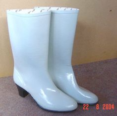 High heel rubber boots & wellies's media statistics and analytics High Heel Boots, Shoe Boots, High Heels, White Rain Boots, Rain Wear, Trousers Women, Hunter Boots, Patent Leather, Leather Shoes