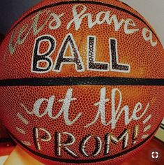 Proposal Ideas for guys Promposal Ideas: Cute Ways to Ask Someone to Homecoming or Prom Cute Promposals for Guys Cute Homecoming Proposals, Formal Proposals, Homecoming Ideas, Homecoming Posters, Homecoming Hair, Dirty Dancing, Bridal Musings, Rose Fotografie, Girl Ask Guy