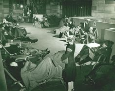 """Travelers Aid Society/USO """"troop transit"""" lounge at Grand Central. New-York Historical Society MS Travelers Aid Society Records Veterans Day Celebration, Military Veterans, Antique Photos, Historical Society, World War Two, Memorial Day, Genealogy, Wwii, New York City"""