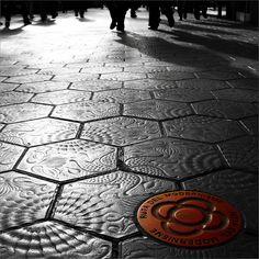 La ruta del Modernisme. Barcelona's street tiles with Gaudí's tiles: UNIQUE.