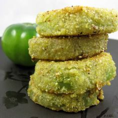Fried Green Tomatoes | Made Just Right by Earth Balance #vegan #earthbalance Vegan Side Dishes, Food Dishes, Vegan Lunches, Vegan Snacks, Vegetarian Recipes, Vegan Vegetarian, Vegan Food, Vegetable Dishes, Vegetable Recipes