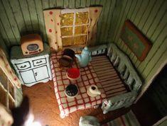 Viirun ja Pesosen piparitalo /Pettson och Findus pepparkakshus Gingerbread Houses, Toddler Bed, Baking, Furniture, Home Decor, Child Bed, Decoration Home, Room Decor, Bakken