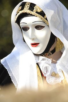 "Sartiglia is one of the most coreographical Carnival feast in Sardinia. The name derives from the latin word ""sorticola"" which means ""ring"" and particularly from the short form ""sors"" that indicates good fortune."
