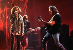 Neil Young & Pearl Jam - Keep On Rockin In The Free World