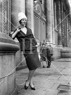 08 February 1966 Fashion Show at I. Irish Fashion, Dublin Ireland, Photo Archive, 1960s, Fashion Show, History, Dark, Green, How To Wear