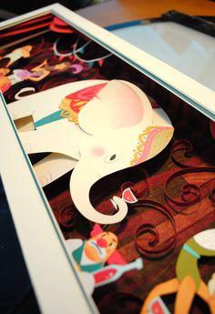 Feitos com a precisão de um cirurgião, quadros unem o colorido da ilustração com o 3D dos papéis recortados