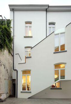 De Vylder Vinck Taillieu - Twiggy commercial building, Ghent 2012. Via, photos © Filip Dujardin.