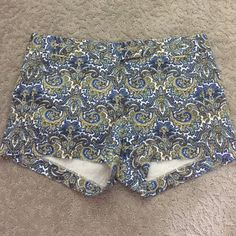 J. Crew City fit Shorts! Perfect condition! Cute & Fun Pattern! J. Crew Shorts