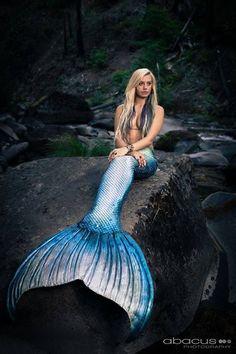 mermaidiona:  Photo of Katie Scott Art, photo by Abacus Photography, tail by Merbella Studios.