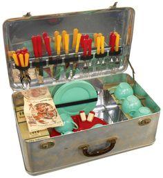 "Picnic set, Ala-Diner Outing Kit, ""Your Playtime Snack Bar"", from Aladdin Industries-Nashville, aluminum case w/Bakel. Vintage Kitchen, Retro Vintage, Camping Grill, Grilling, Picnic Essentials, Vintage Picnic, Picnic Set, Snack Bar, Small Appliances"