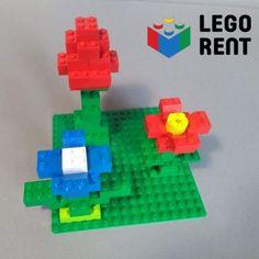 Jar už klope na dvere! Postavte si s deťmi kvietky. Dajú sa postaviť z Lega aj z Dupla. A pokiaľ máte doma deti väčšie, môžete pridať aj hmyz a trochu diskusie a máte vybavenú hodinu prírodovedy. Nintendo 64, Lego, Games, Gaming, Legos, Plays, Game, Toys