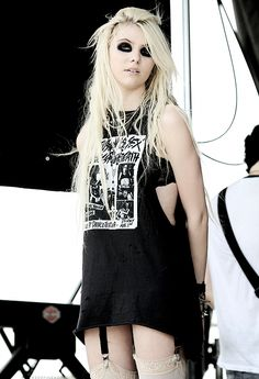 Taylor Momsen. I just wanna wear band tees and tights.
