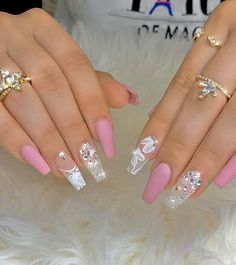 35 Beautiful Acrylic Pink Coffin Nails Design Be A Pretty Girl - Page 9 of 12 - Latest Fashion Trends For Woman New Years Nail Designs, Gold Nail Designs, Cute Acrylic Nail Designs, Pretty Nail Designs, Nails Design, Gold Nails, Fancy Nails, Bling Nails, Swag Nails