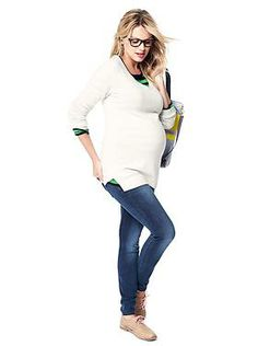 Stylish and cozy maternity look.