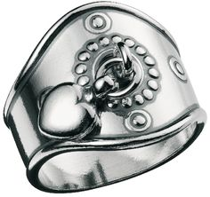 Kalevala Koru / Kalevala Jewelry / Sydänsormus / HEART RING / Material: silver also available in bronze Heart Jewelry, Heart Ring, Jewelry Shop, Jewelry Design, Jewellery Box, Jewelry Accessories, Silver Rings Online, Bronze Jewelry, Silver Drop Earrings