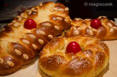 Greek Cake, Easter Recipes, Greek Recipes, Sweet Bread, Bagel, Doughnut, Salmon, Cake Recipes, Recipies