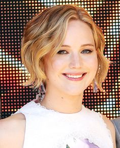 Short curly hair inspo: Jennifer Lawrence #InStyle