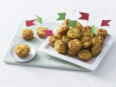 Recipe Zucchini, Ham and Corn Bites by Thermomix in Australia, learn to make this recipe easily in your kitchen machine and discover other Thermomix recipes in Baking - savoury. Lunch Box Recipes, Snack Recipes, Cooking Recipes, Lunchbox Ideas, Gluten Free Snacks, Gluten Free Recipes, Kitchen Aid Recipes, Coconut Recipes, Savory Snacks