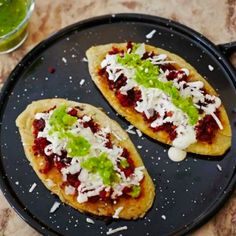 Tlacoyos con Chorizo