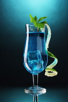 Cocktail • Blue Lagoon • Vodka, Blue Curacao & Lemon Juice •