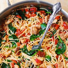 Tomato Spinach Chicken Spaghetti - Tomato Spinach Chicken Spaghetti – this recipe features pasta, fresh tomatoes, sun-dried tomatoes - Chicken Spinach Pasta, Chicken Spaghetti Recipes, Chicken Recipes, Spaghetti Spinach, Pasta With Grilled Chicken, Spinach And Tomato Pasta, Pasta With Sundried Tomatoes, Lemon Garlic Spaghetti, Recipes With Spaghetti Noodles