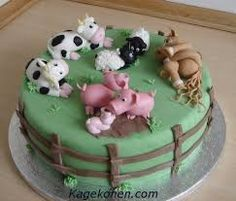 Inspiration for a Farm cake and cupcakes. Novelty Cakes Dubai. Sweet Secrets. www.sweetsecretsdubai.com
