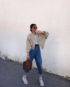 Outfit Main Inspo Page ⋆ Best Frugal Deal & Steals on – Woman's Fashion Inspo Mode Outfits, Retro Outfits, Cute Casual Outfits, Winter Outfits, Vintage Outfits, Spring Outfits, Casual Chic, Sneakers Fashion Outfits, Outfits With Converse