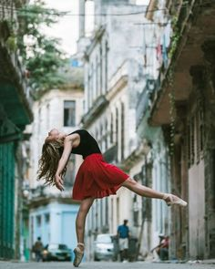 Gorgeous photos of Cuban ballet dancers out in the streets of Cuba. Love these so much